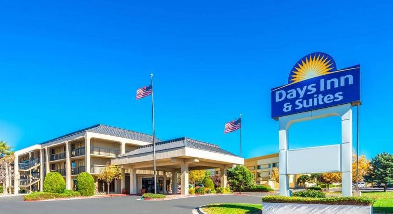 Days Inn and Suites Albuquerque North