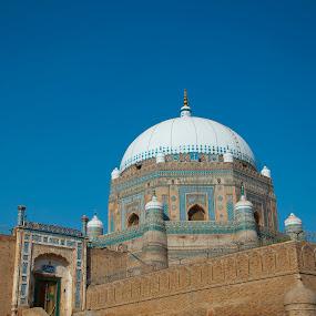 Shah Rukan-e-Alam's Tomb in Multan by Khawaja Hamza - Buildings & Architecture Public & Historical ( shah rukan-e-alam, multan, tomb )