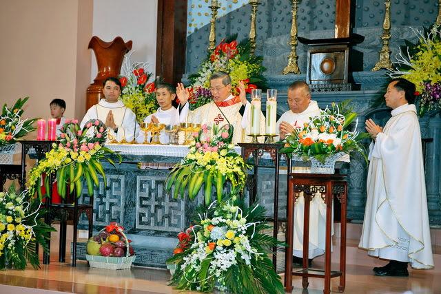 GP Phát Diệm: Gần 300 cặp vợ chồng mừng kỷ niệm thành hôn - Ảnh minh hoạ 6