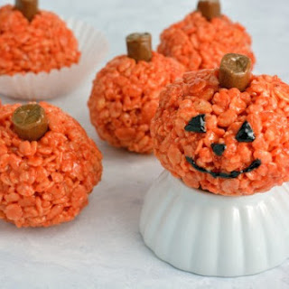 Peanut Butter Rice Krispie Treat Pumpkins