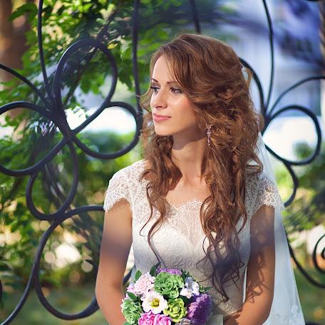 Wedding photographer Alena Goldabenkova (bublik93). Photo of 17.02.2016
