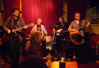 Photo: Leif 'Pedda' Pedersen vocals/guitar (left), Mårten Olsson guitar (right), Bo Hansson Hammond organ, Stefan Klementsson bass, Bob Gilbert drums