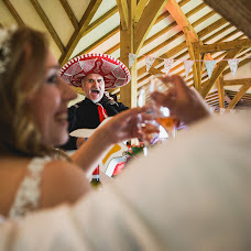 Wedding photographer Aaron Storry (aaron). Photo of 25.05.2017