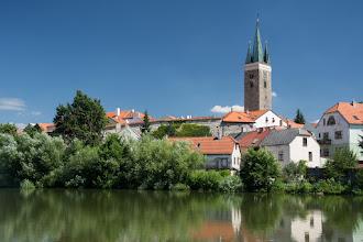 Photo: Widok na najstarszy zachowany zabytek miasta - wieżę św. Ducha. Późnoromańska z początku XIII wieku.