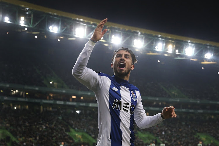 Officiel : Alex Telles débarque en Premier League