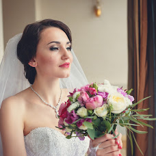Wedding photographer Olesya Yarceva (sonyalisa). Photo of 05.07.2014