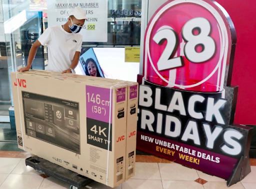 IN PICTURES | Black Friday sale kicks off in SA - HeraldLIVE