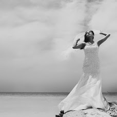 Wedding photographer Lili Del Angel (lilidelangel). Photo of 30.09.2014