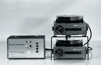 Photo: The ES2002, a two-speed dissolve unit for slide projection from the late Sixties.