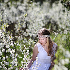 Wedding photographer Yuliya Zotanina (ulza-luna). Photo of 13.05.2013