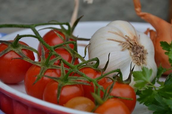 pomodorini e aglio di ELENA 77