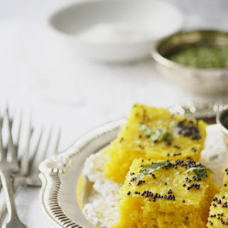Traditional Rawa Khaman Dhokla – Steamed Savoury Indian Lentil Cake.