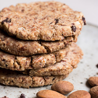 Raw Almond Cookies Recipes.