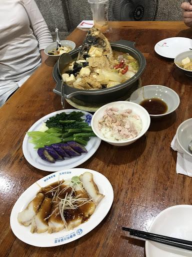 湯頭有辣又甜,魚的土味不會重,可以接受啦!涼菜真的好甘甜又脆爽!