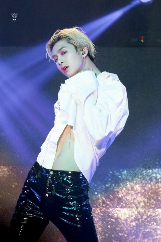hyungwon body 6
