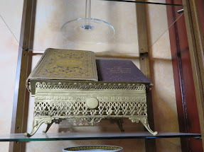 How to collect books & Missal painting
