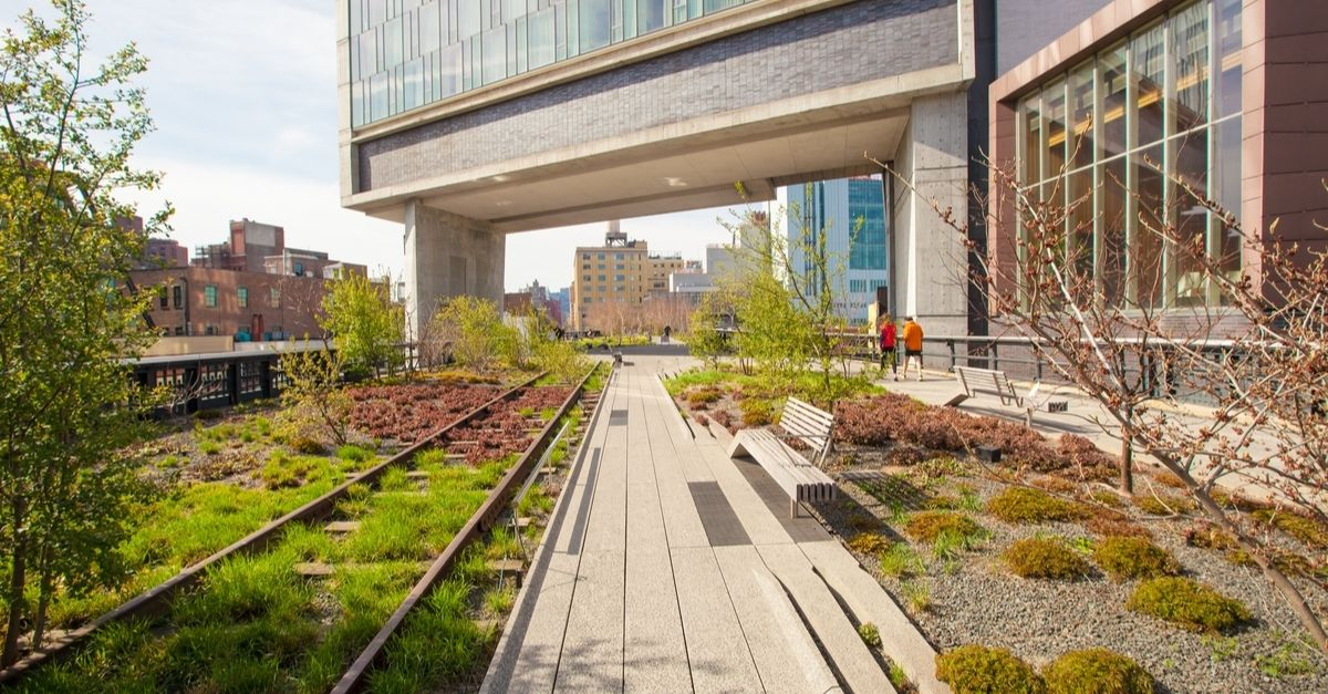High Line on Fifth Avenue during Christmas in new york city