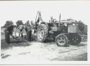 Photo: En var sommardag 1956 sittande på en Fordson, det ska bli nya vattenledningsrör här på en gård som heter Smedstorp/huset Målen ner mot Ydrefors. Man har sagt att han hade fullt upp och grävde jämt traktorn var nästan aldrig avstängd så nog borde Fordson varit en ganska bra traktor ändå trots allt. - One summer day in 1956 was sitting on a Fordson, there'll be new water pipes here on a farm called Smedstorp / house goals down against Ydre Fors. It has been said that he was fully up and buried remains tractor was almost never off, so probably should Fordson been a pretty good tractor yet after all.