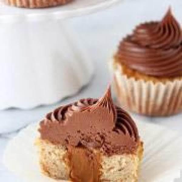 Dulce De Leche Banana Cupcakes W/ Chocolate Icing