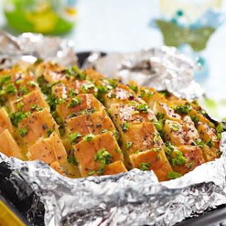 Pull-Apart Cheesy Garlic Bread