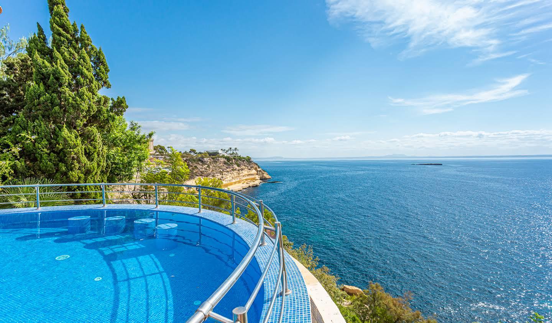 Villa avec piscine en bord de mer Sol de Mallorca