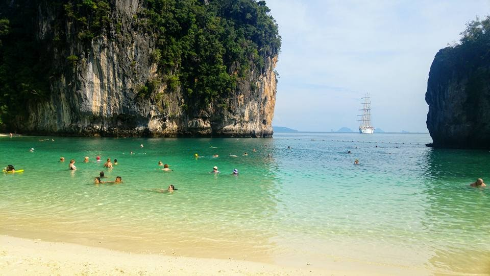 Playa de Hong Island