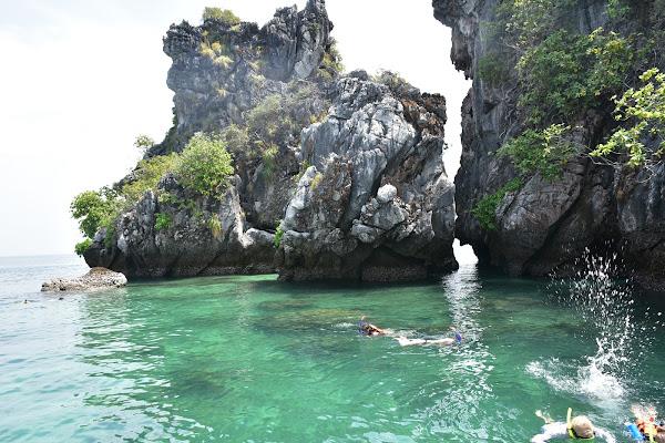 Snorkel fun at Four Island