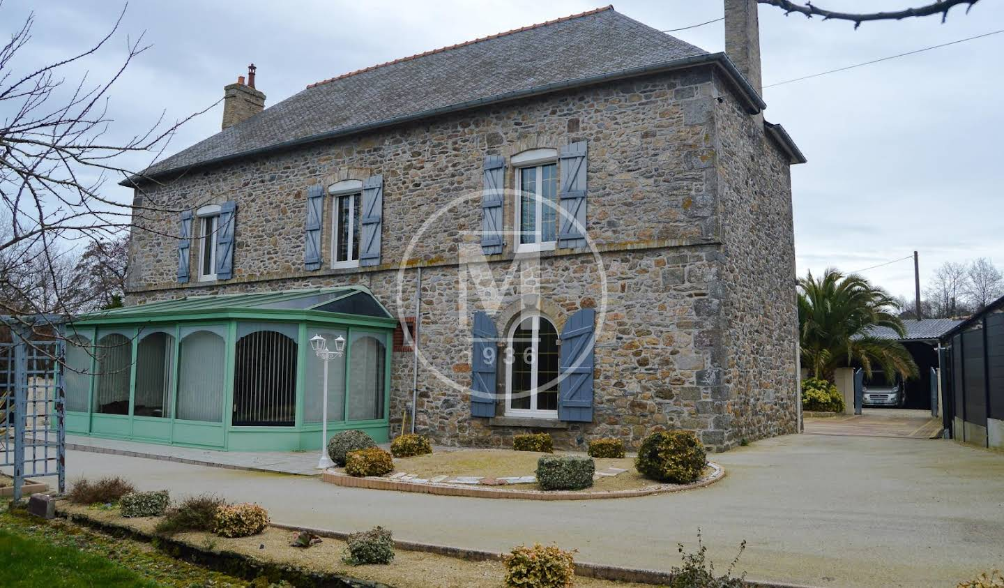 House with pool Saint Malo
