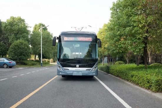 Veículo sem motorista de fabricação chinesa também está sendo testado nas ruas da França. (Fonte: CRRC/Reprodução)