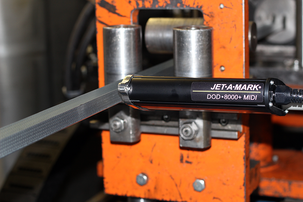 Печатающая головка Matthews DOD 8000+, установленная на месте маркировки