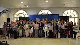 Fotografía de familia con el diputado provincial y representantes que integran el Consejo Provincial de Mujeres.
