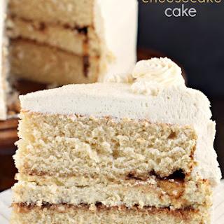 Cinnamon Roll Cheesecake Cake
