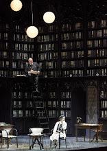 Photo: Wiener Staatsoper: DIE SACHE MAKROPULOS. Inszenierung Peter Stein, Premiere am 13. 12.2015. Wolfgang Bankl, Laura Aikin. Foto: Wiener Staatsoper/ Michael Pöhn