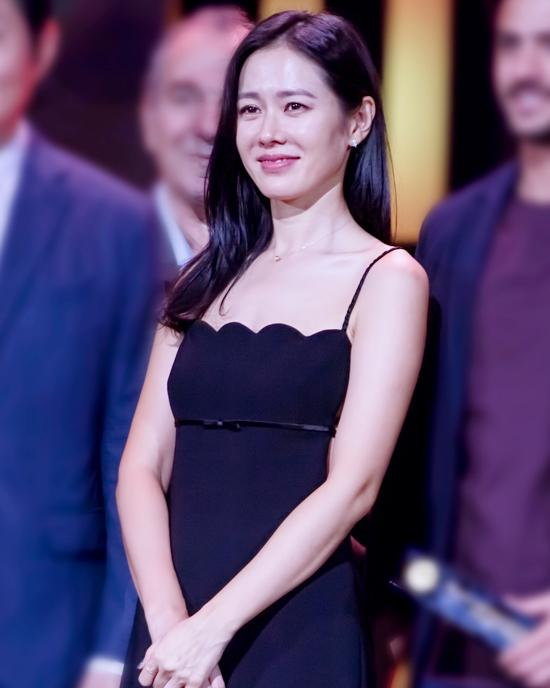 0903_-_Son_Yejin_-_13th_Seoul_International_Drama_Awards-2