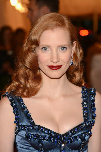 Photo: Jessica Chastain shines in 1 Million Dollars worth of Harry Winston Sapphires.