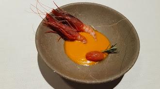 La 'Gamba de Garrucha con sopa de tomate'.