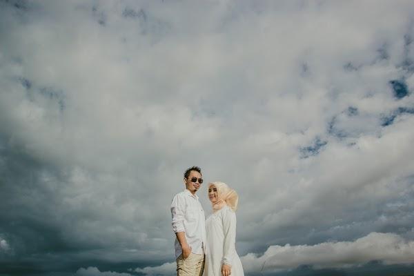 Wedding photographer Denden Syaiful Islam (dendensyaiful). Photo of 02.02.2018