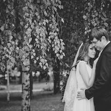 Wedding photographer Varvara Lomancova (VarvaraL). Photo of 15.10.2013