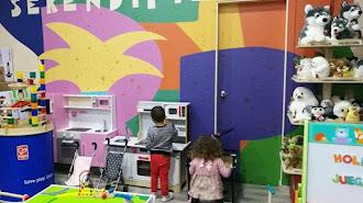 Charlas y talleres gratuitos para familias en Serendipia.