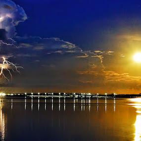The storm and fullmoon by Sam Moshavi - Landscapes Weather ( thunder, moon, fullmoon, sunrise, landscape, storm, slow speed )