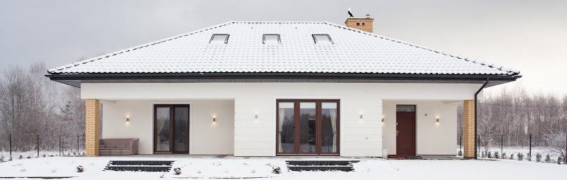 Boniowanie na elewacji domu jednorodzinnego