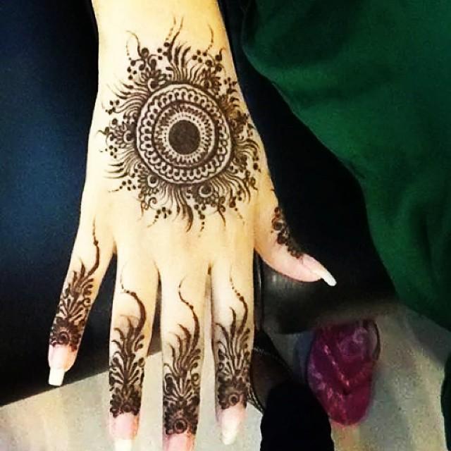 Mehndi Designs Gola : Gol tikya mehndi designs makedes