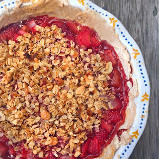 Strawberry Rhubarb Cashew Crumble Pie
