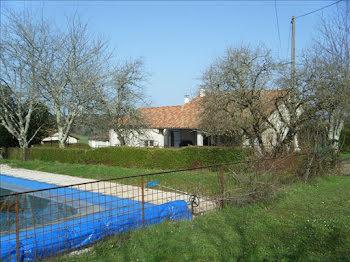 maison à Les Essards (16)