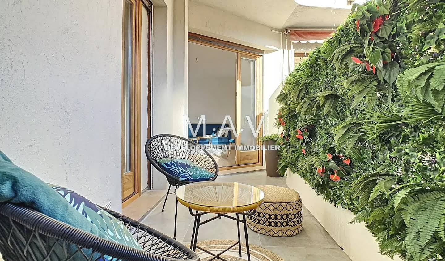 Apartment with terrace Nice