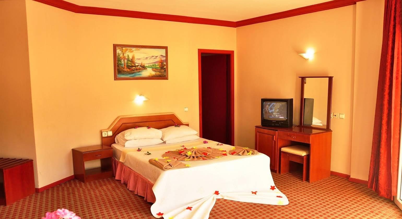 Mustis Royal Plaza Hotel