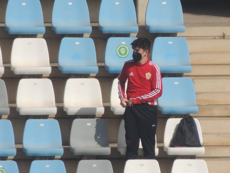 Este joven aficionado feliz en el Estadio.