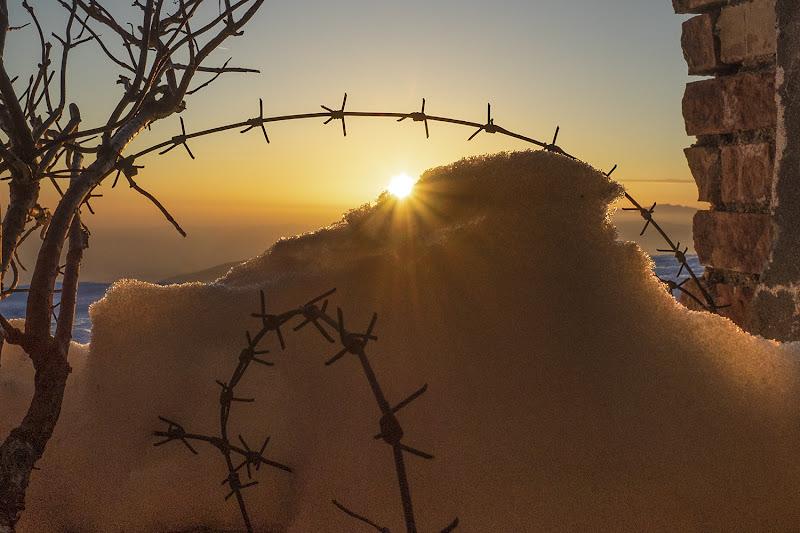 Tramonto invernale da una postazione della grande guerra. di brunosma