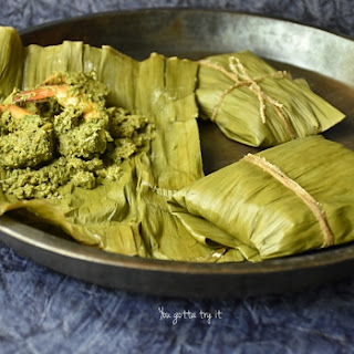 Banana leaf wrapped Prawns with Tamarind leaves (steamed).