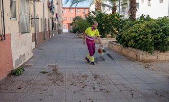Limpieza intensiva en El Zapillo